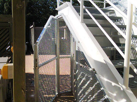 angled-understairs-cage